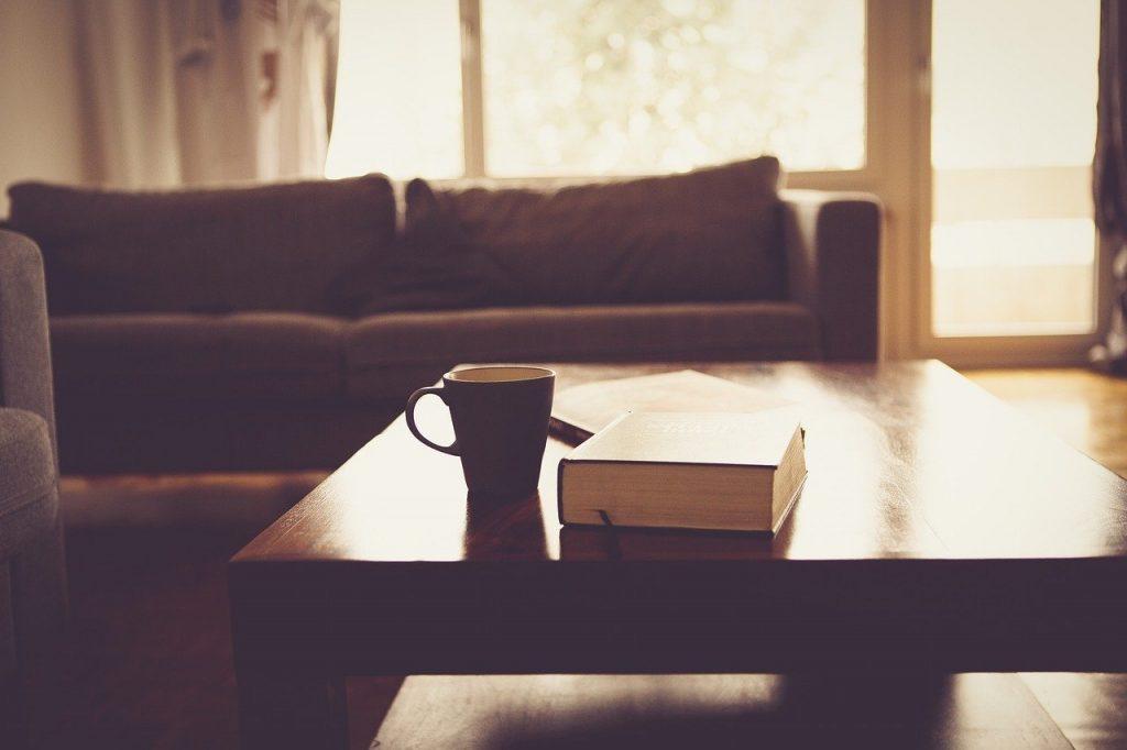 רהיטים בסלון