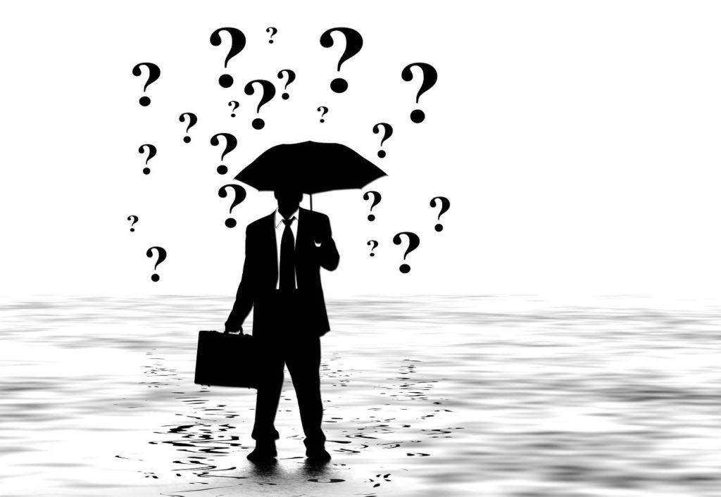 משקיע בשוק ההון עם סימני שאלה